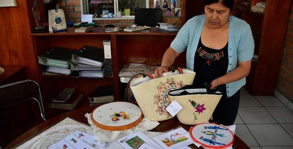 Aida Maita, representante legal de la cooperativa Centro de Bordados Cuenca.