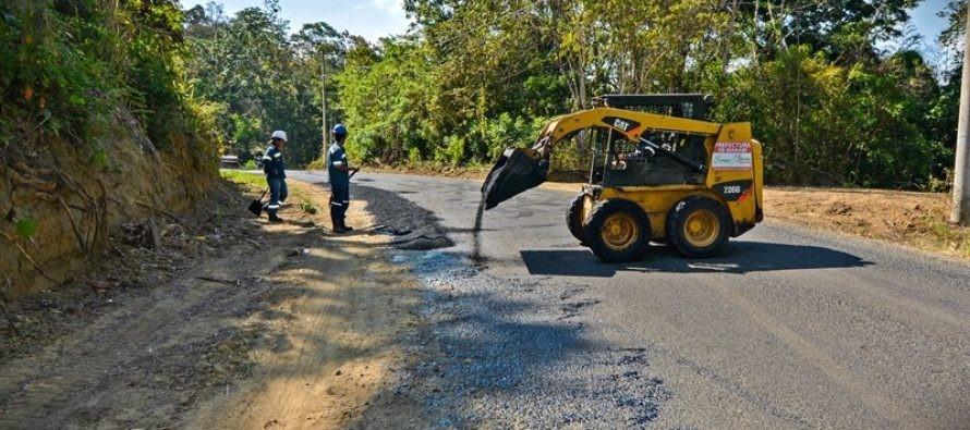 Vía en Paján causa molestias en la comunidad.