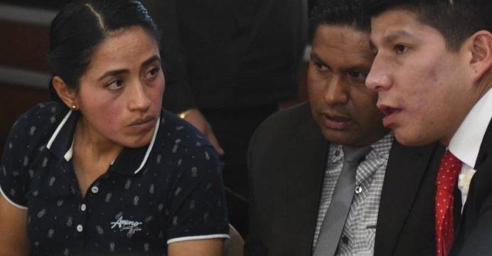 Diana Falcón en la mira de simpatizante de Rafael Correa.