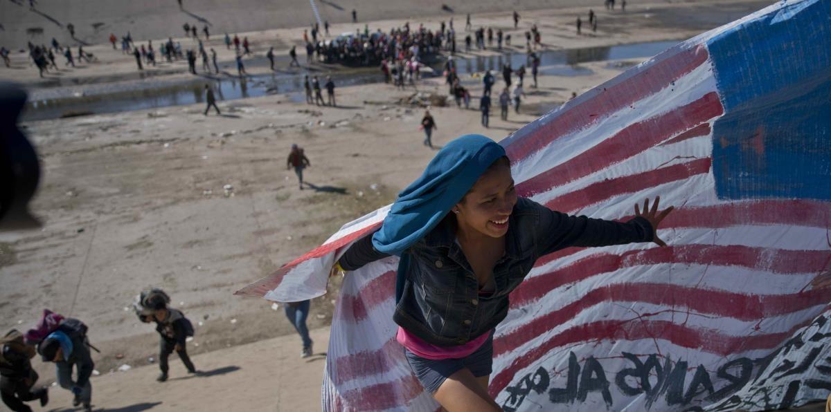 Disturbios en un intento de pasar a Estados Unidos.