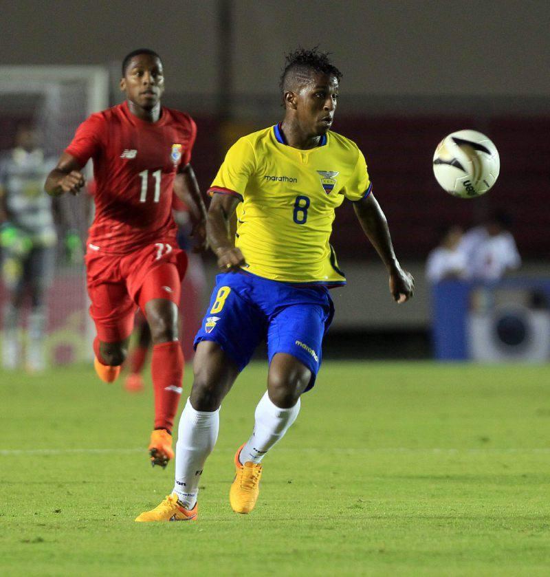 Ecuador venció a Panamá 2-1