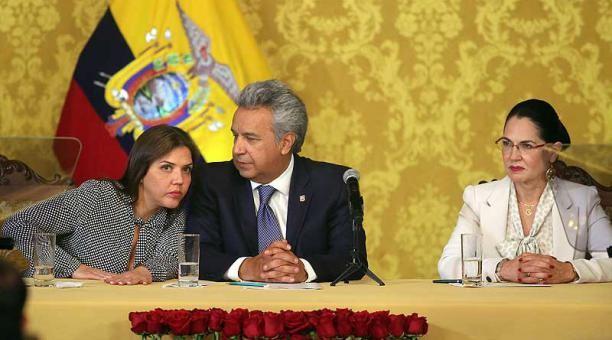 EL PRESIDENTE DE LA REPUBLICA DEL ECUADOR CESÓ DE SUS FUNCIONES A LA VICEPRESIDENTA, MARIA ALEJANDRA VICUÑA.