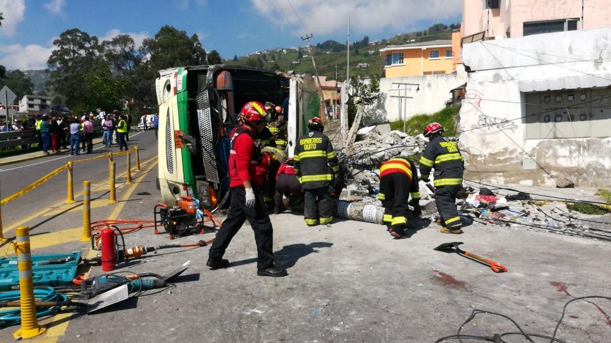 Accidente de tránsito en Quito dejo varias víctimas.