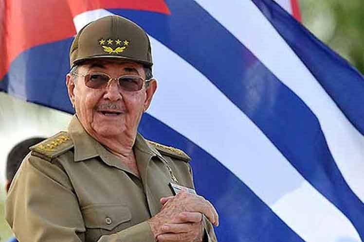 Raúl Castro prepara a Cuba para el peor escenario frente a Estados Unidos.