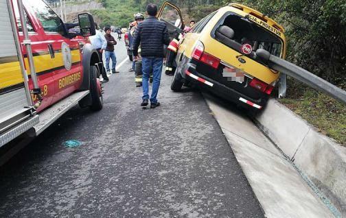 Accidente de tránsito en Cumbaya deja un fallecido y cinco heridos.