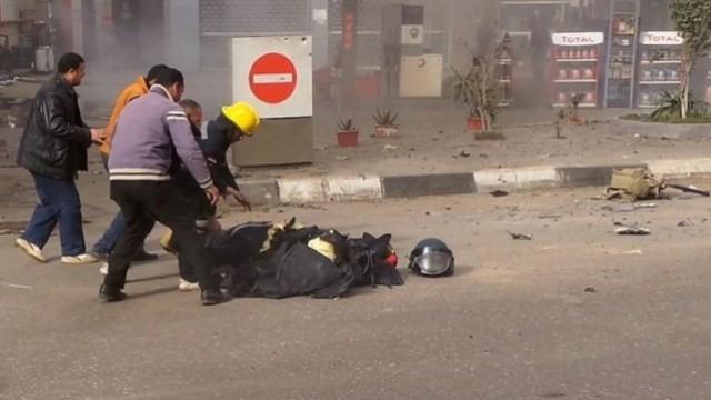 POLICIA EGIPCIO FALLECE TRAS INTENTAR DESACTIVAR UAN BOMBA.