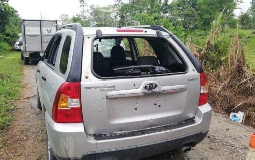 Dos policías heridos fueron trasladados a Quito.
