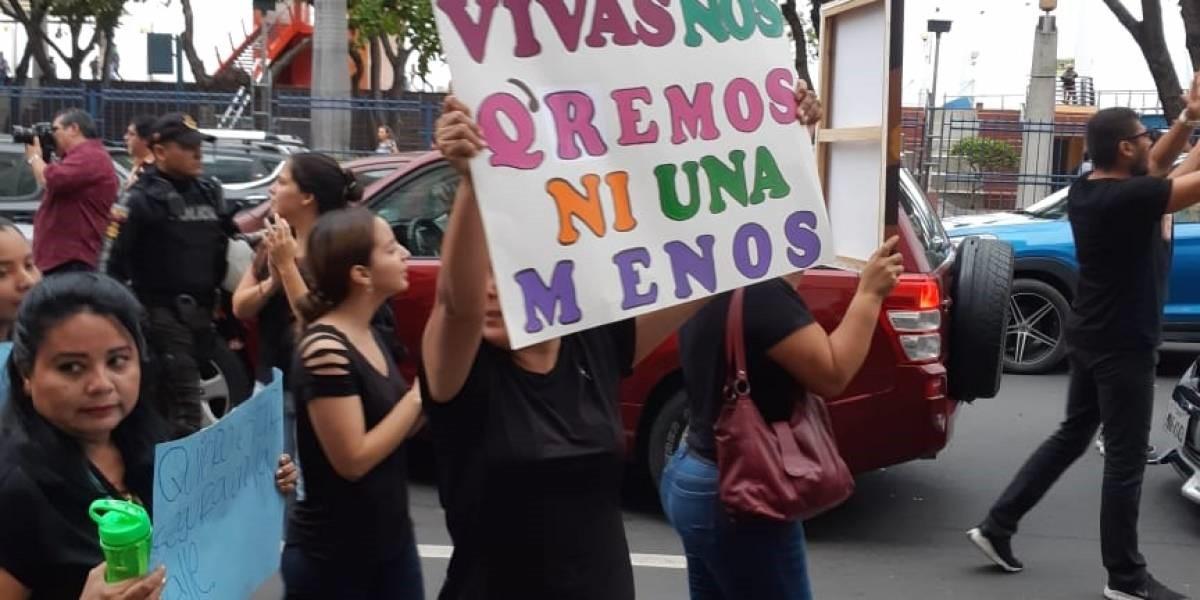 Protestas pacíficas ante ola de violencia en el país.