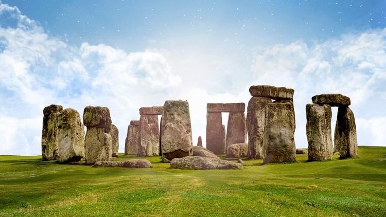 Las piedras que forman el famoso monumento megalítico, Stonehedge, datan de 3.000 a.C.