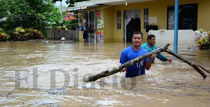 Manabí se ve gravemente afectada por las fuertes lluvias.