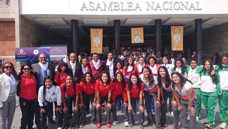 El 7 de marzo es declarado como Día del Fútbol Femenino, por la asamblea nacional.