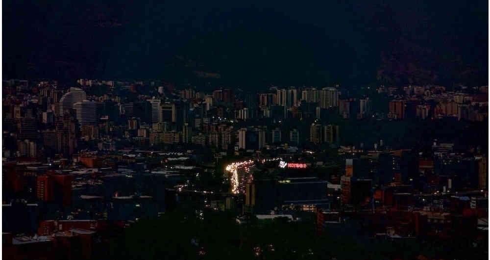 Venezuela nuevamente sumida en la oscuridad