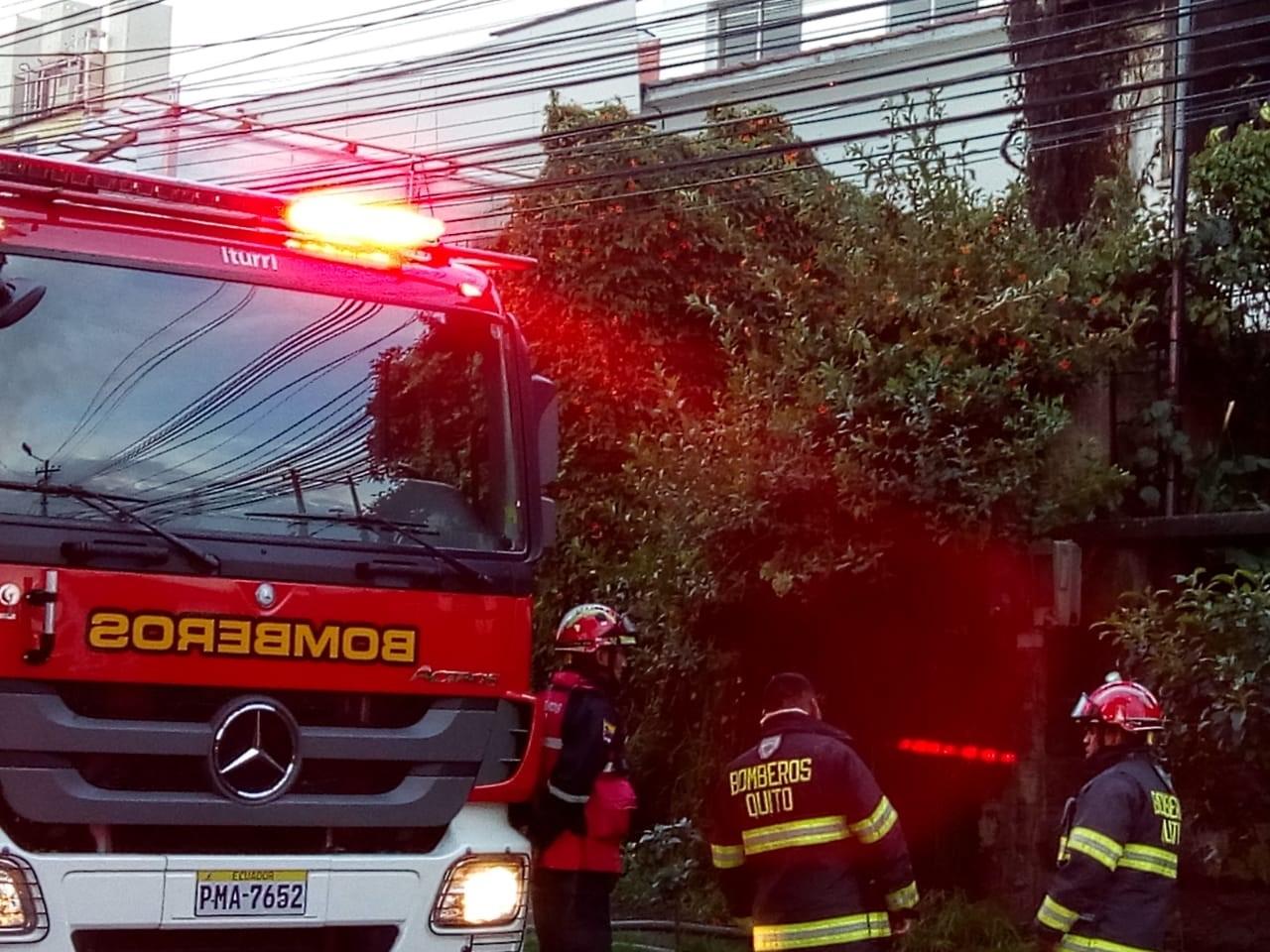 Incendio en el barrio la Floresta deja pérdidas materiales