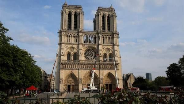 """""""Notre Dame se ha salvado"""" según Ministro francés de cultura"""