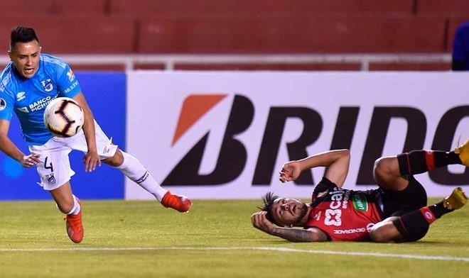 Universidad Católica empata en Perú y accede a los octavos de final de la Copa Sudamericana.