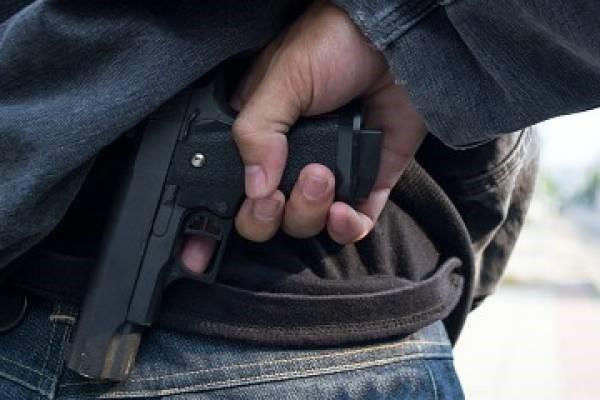 Asaltantes de gasolineras fueron detenidos luego de registrarse un tiroteo esta madrugada.