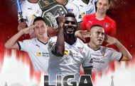 """Jugadores de Liga de Quito saltan a la cancha vestidos de """"Jedis"""""""