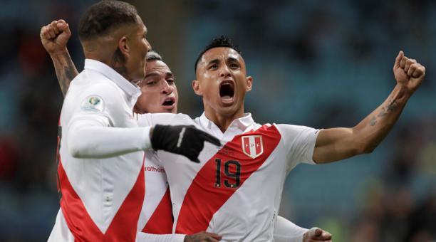 Un histórico Perú goleó 3-0 a Chile y jugará la final de la Copa América ante Brasil en el Maracaná