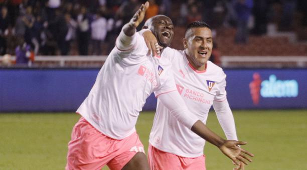 Liga de Quito ganó 2-0 al Emelec en la semifinal de ida de la Copa Ecuador