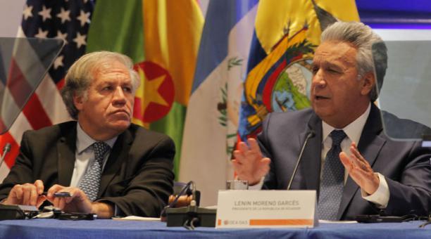 Lenín Moreno pide estrategia regional para defender la democracia