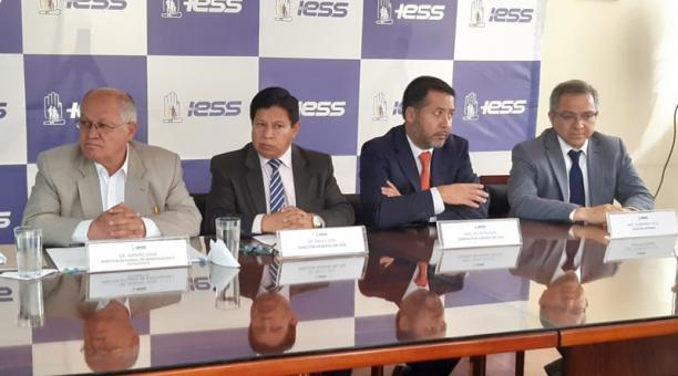'Dos medidas del correísmo desfinanciaron al Seguro Social'