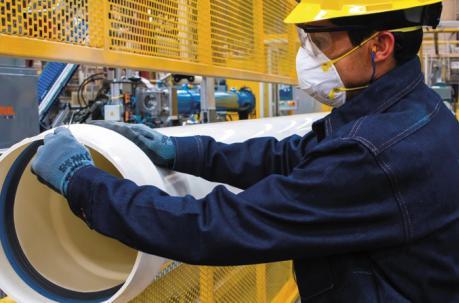 Empresas de seis sectores productivos firmaron contratos de inversión