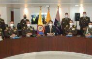 Nuevo ministro de Gobierno, Patricio Pazmiño, dirige reunión entre los altos mandos policiales de Ecuador y Colombia