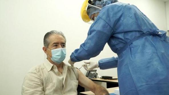 La Fiscalía abre una investigación en contra del ministro de Salud, Juan Carlos Zevallos